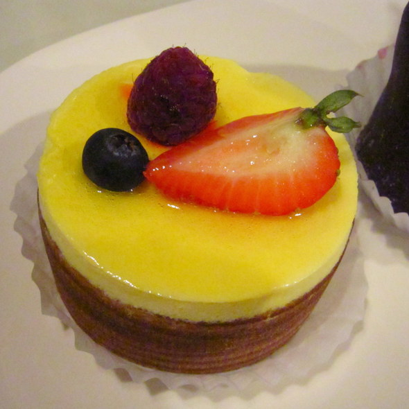 Passion Fruit Cake @ Patisserie Poupon