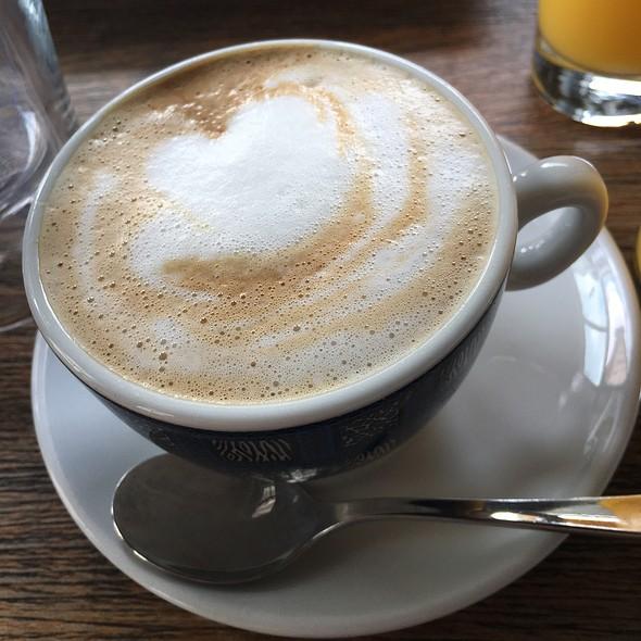 Cappuccino @ Cafe Edison
