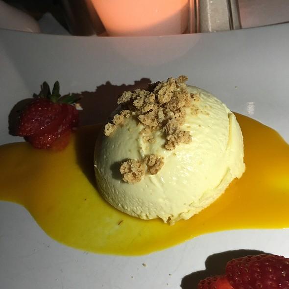 White Chocolate Mousse @ Porzellan