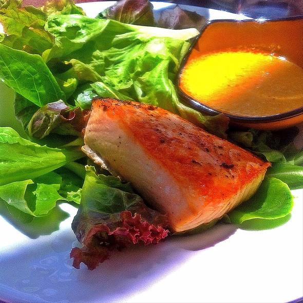 Grilled Salmon Salad @ Ponte Vedra Inn & Club