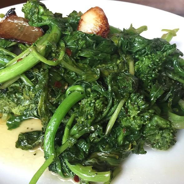 Broccoli Rabe @ Grant Vin