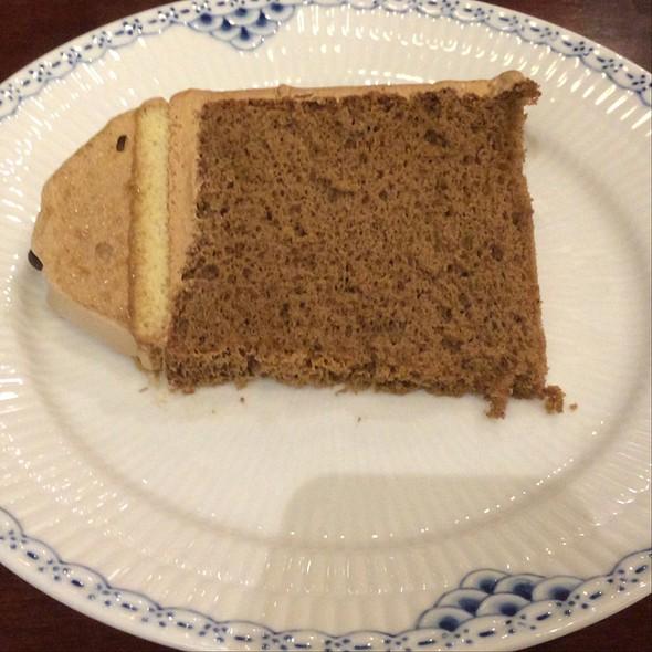 Coffee Chiffon Cake @ 椿屋珈琲店 六本木茶寮