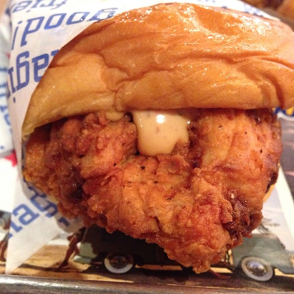 Fried Chicken Sandwich @ Hollywood Burger