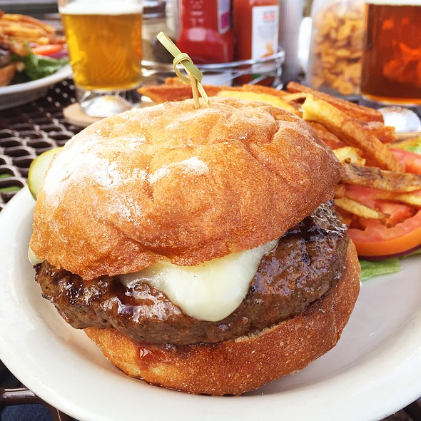 The Classic Cheese @ MacPhail's Burgers