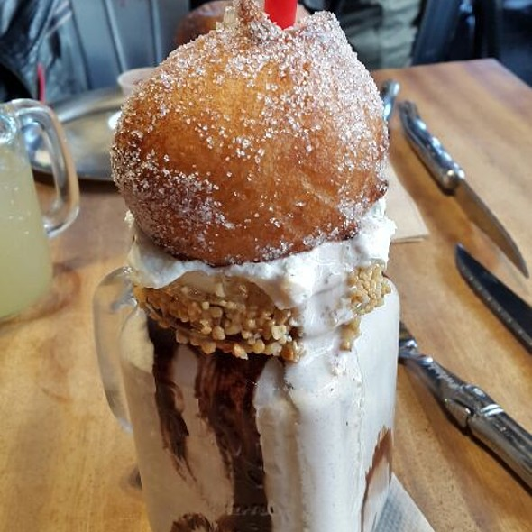 Nutella Donut Shake @ What's Beef