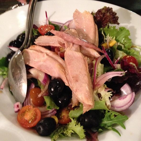 Mediterranean Salad @ La Cupula