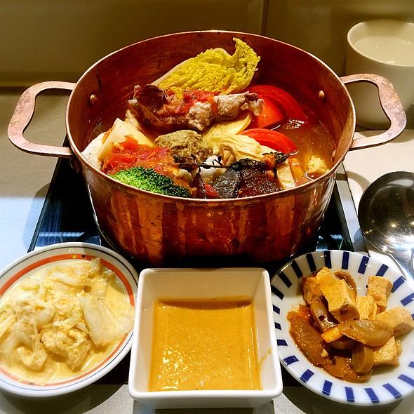 伊比利番茄野菜豬肉鍋 @ 肉大人肉舖火鍋