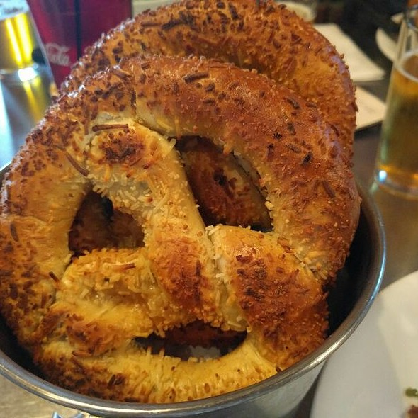 pretzel @ Rocky River Brewing Co