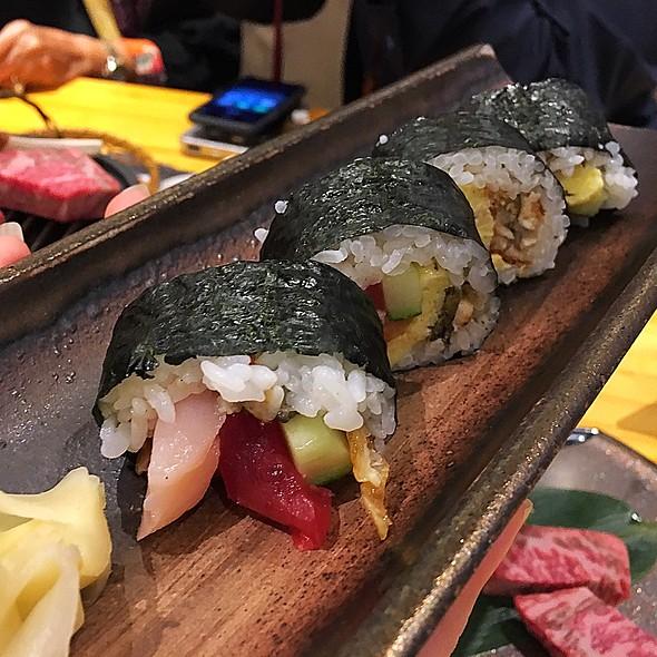 Sushi Roll @ Rinka
