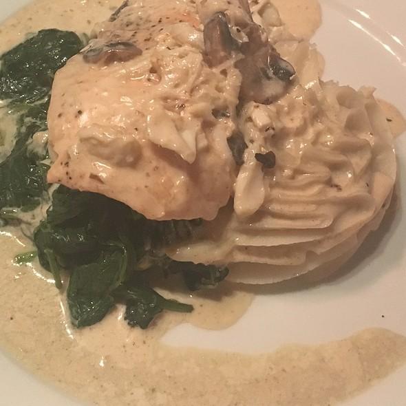 Seared Salmon @ Garibaldi's Cafe