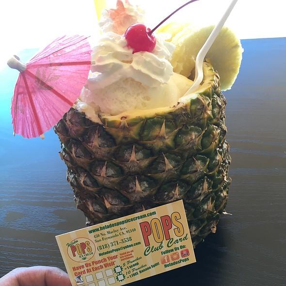 Pineapple Sundae @ Helados Pops