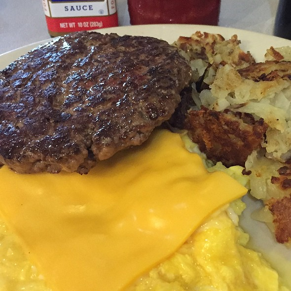 Burger With Soft Soft Scrambled Eggs And Cheese @ Nick's Diner