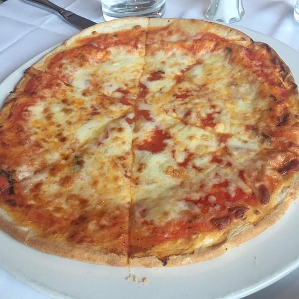 cheese pizza - Alioli Ristorante, Mississauga, ON