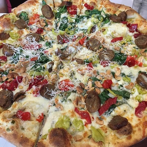 Annie's Spicy Sausage Five Star @ Farrelli's Tacoma Inc Pizza