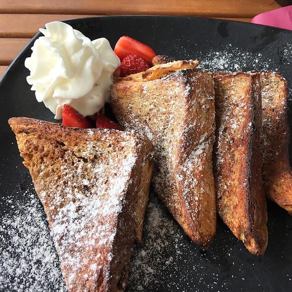 Creme Brulee French Toast @ La Farm Bakery