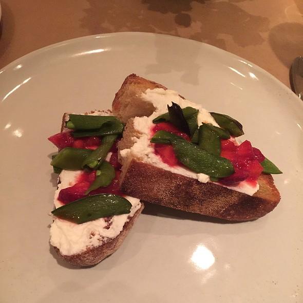 Bruchetta With Ricotta, Strawberries, & Roasted Sugar Snap Peas - Niche, Clayton, MO