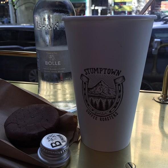 Afternoon Cafe Latte @ Stumptown Coffee Roasters