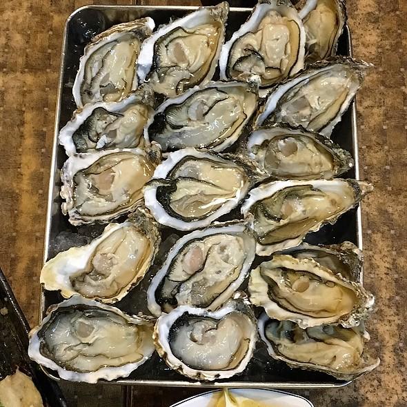 生蠔 Oysters @ Phoebe Cafe