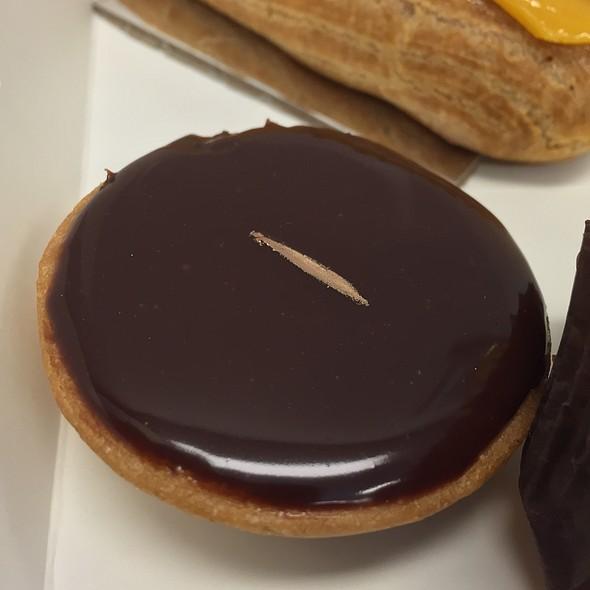 Macadamia Salted Caramel Chocolate Tart