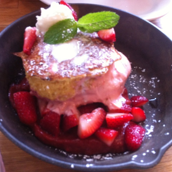 Strawberry Rhubarb French Toast @ Green Eggs Cafe