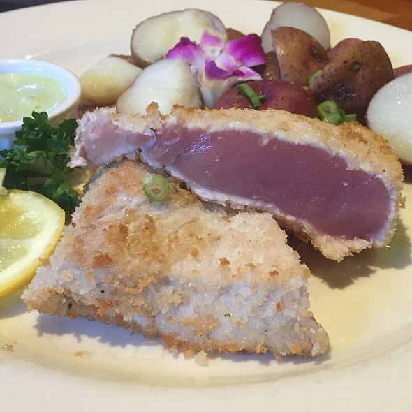 Panko Crusted Tuna @ The Carriage House Resturant