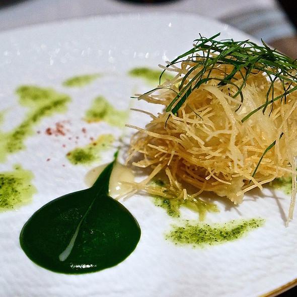 Teiryaki tofu fritter, garlic cream, parsley coulis @ Joel Robuchon Restaurant
