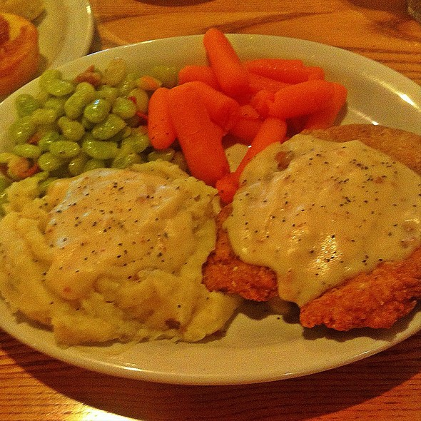 Chicken Fried Chicken With Mashed Potatoes, Baby Limas And Honeyed Carrots @ Cracker Barrel