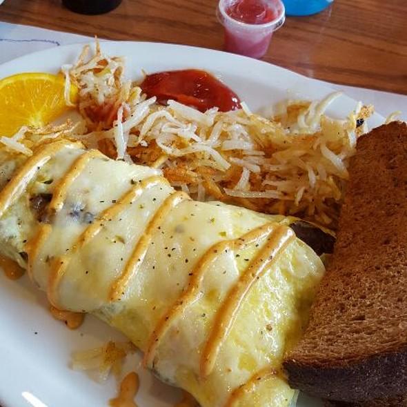 Philly Cheesesteak Omlet @ Toast 'N Jams