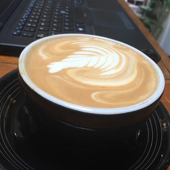 Cappuccino @ Mudsmith