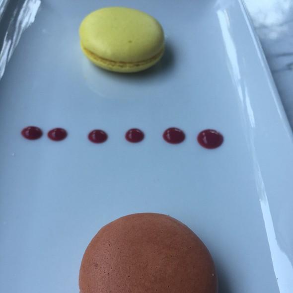 Lemon & Salt Caramel Macaroons @ T Room