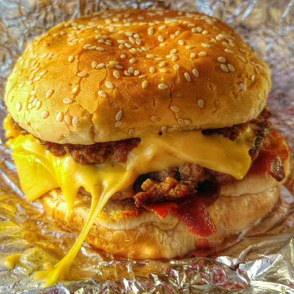 Bacon Cheeseburger @ Five Guys Famous Burgers & Fries