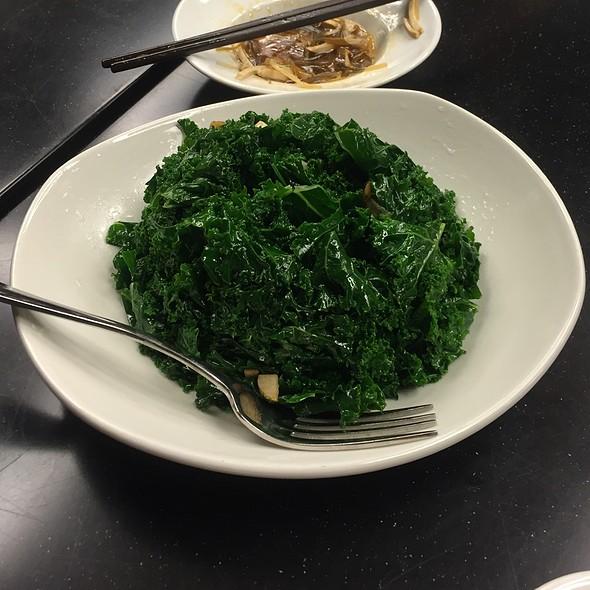Sauteed Kale With Garlic @ Din Tai Fung