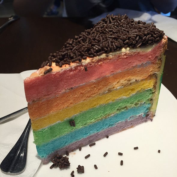 Rainbow cake @ Bow Wow Cafe