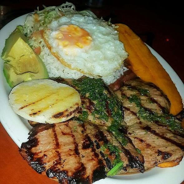 Almuerzo Colombiano @ Sabores De Mi Tierra Panamá