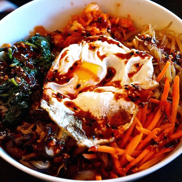 Bibimbap – soy marinated spinach, carrots, ginger scallion bean sprouts, shiitake mushrooms, crispy fried egg, Korean chili sauce, rice @ Meat and Cheese