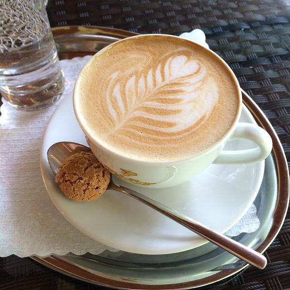 Cappuccino @ Cafe Konditorei Südstadt