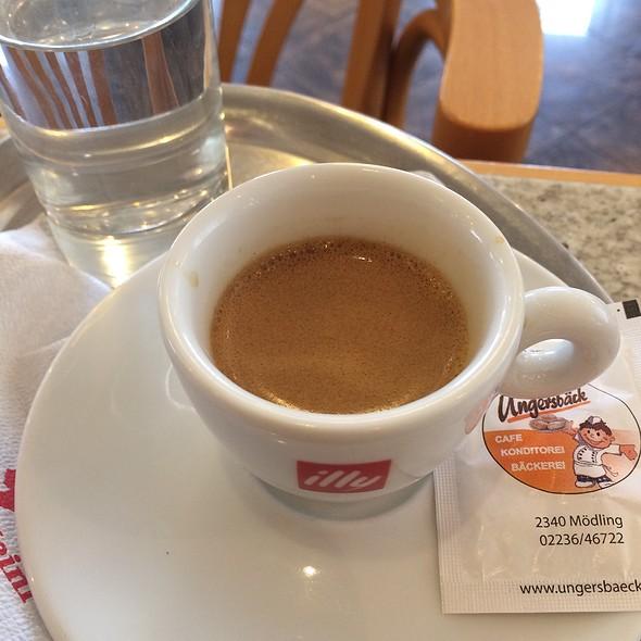 Espresso @ Ungersbäck A & G Konditorei- Cafe-Bäckerei