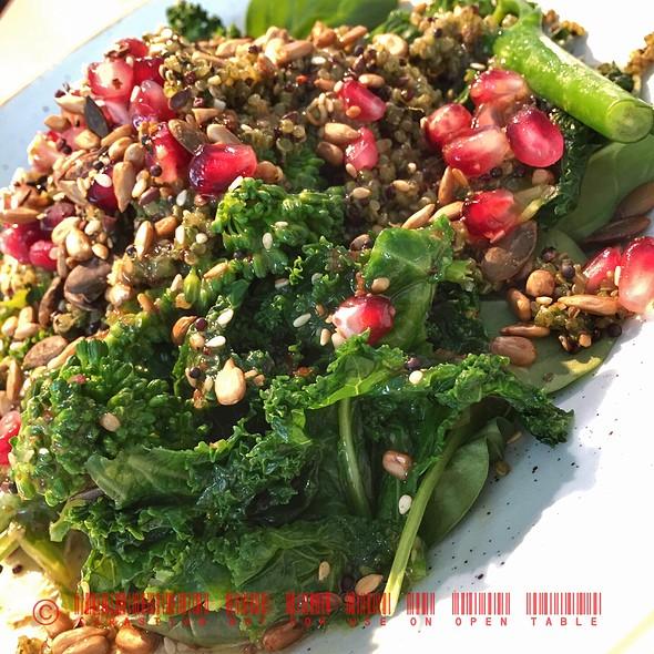 Green Quinoa Salad @ Wondertree