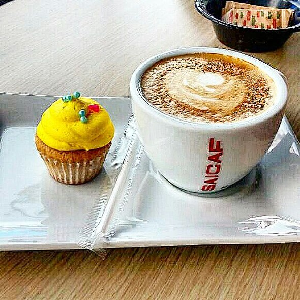 Mini Cupcake And Coffee @ The Bakery
