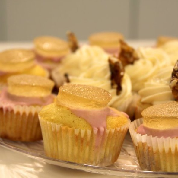 Cupcakes @ Cherry Bomb Bakery