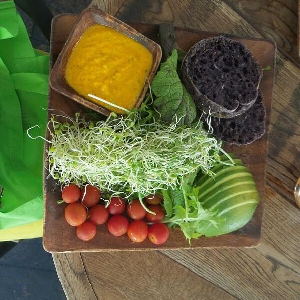 Hawaiian Veggies Plate @ Goofy's Cafe