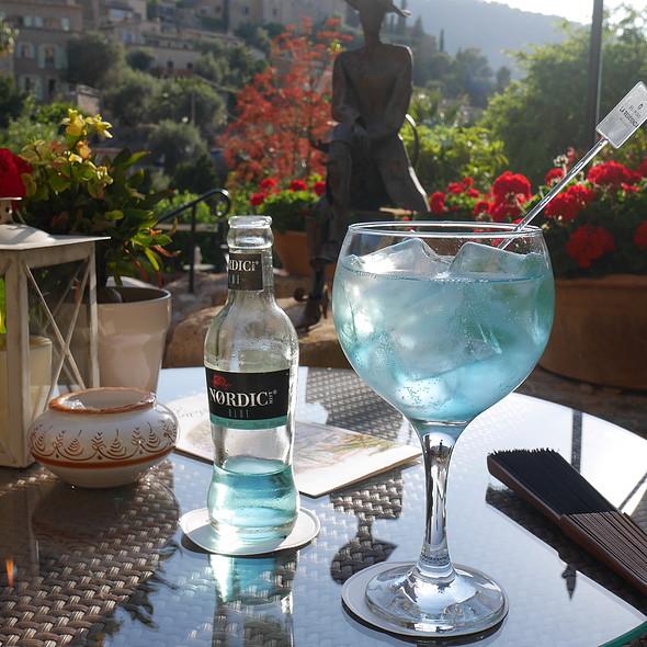 Gin & Tonic @ Café Miró