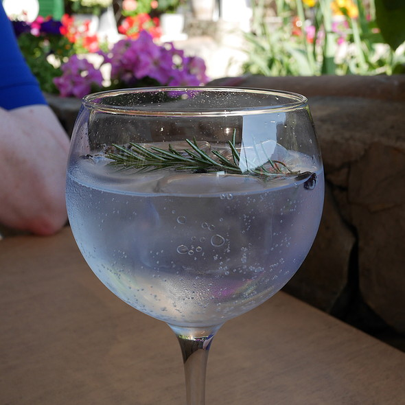 Gin & Tonic @ The Village Cafe