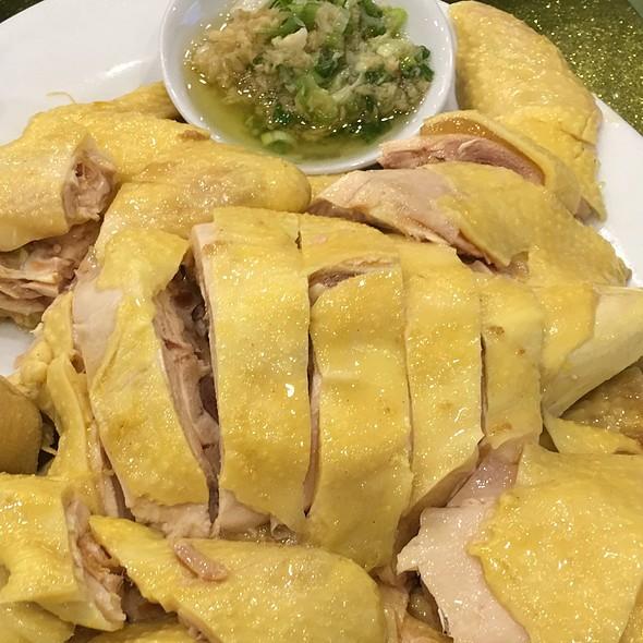 Steam Free Range Chicken With Onion & Ginger Sauce @ Sandy La Chinese Restaurant