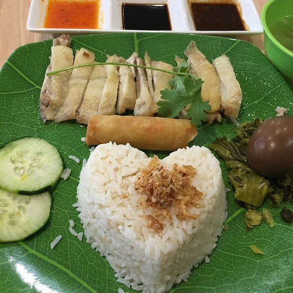 Hainanese Chicken Over Rice @ Beetle Cafe