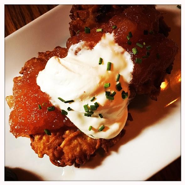 Potatoecakes @ Schatzi's