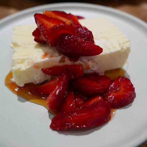 Queso Fresco Semifreddo @ Bellota