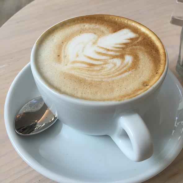 Cappuccino @ COCOQUADRAT - Wiens erstes Coworkcafe