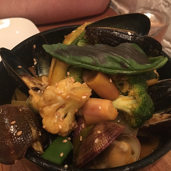 Mussels And Clams In Thai Sauce @ RedFarm