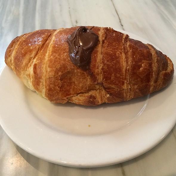 nutella croissant @ Solunto